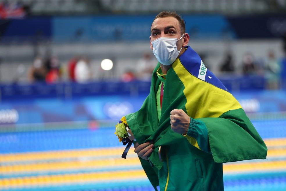 2021 07 27t023109z 1106076442 sp1eh7r06zvnz rtrmadp 3 olympics 2020 swm m 200mfr medal - Com cinco medalhas, Brasil tem o melhor início da história nas Olimpíadas