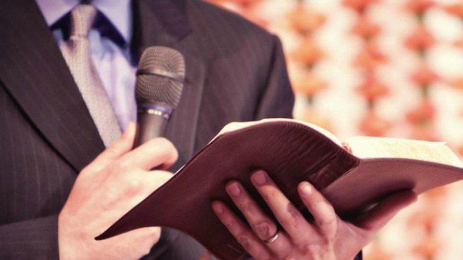 """29o6dqz5f2eoaaen8wawaf3a4 - Pastor é acusado de aplicar golpe de R$ 2,5 milhões em fiel: """"Fui enganada"""""""