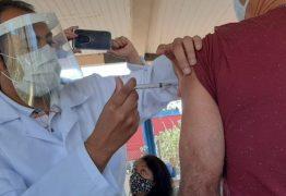 PIZZA, LIMPEZA DE SOFÁ, DEPILAÇÃO…: Veja as iniciativas de empresas para aumentar imunização