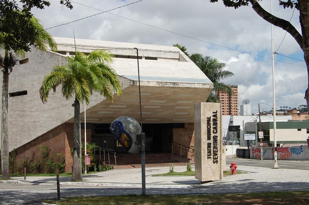 Após mais de um ano fechado, Teatro Severino Cabral reabre portas para o público, em Campina Grande