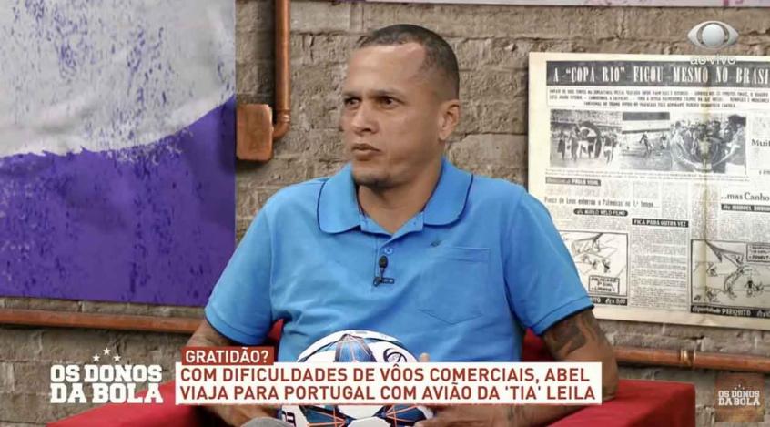 """604bd16043f73 - """"PRETO NEM É GENTE"""": Ex-jogador e comentarista Souza é vítima de racismo e xenofobia durante transmissão de jogo"""