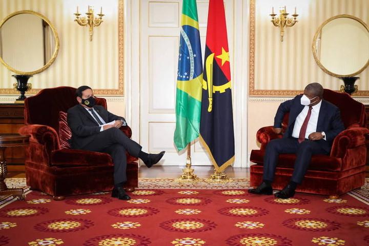7578 presidente de angola rejeitou pedido de mourao para receber delegacao de parlamentares brasileiros p - Presidente angolano nega pedido de Mourão e não vai receber deputados da bancada evangélica