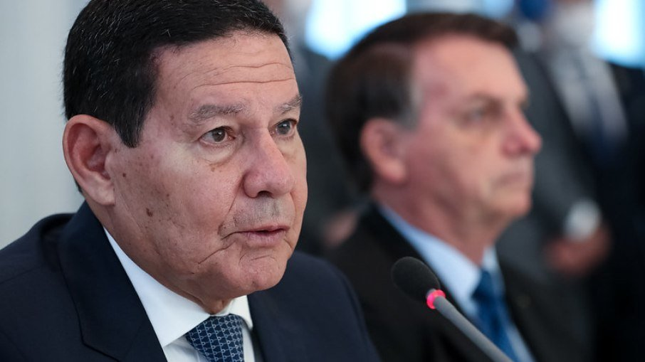 8bud3s8blp9wtjt7vbggdufqr - Mourão destoa de Bolsonaro e garante que eleições serão realizadas