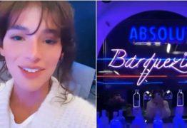 Bruna Marquezine ganha bar na garagem de sua casa: 'Barquezine'
