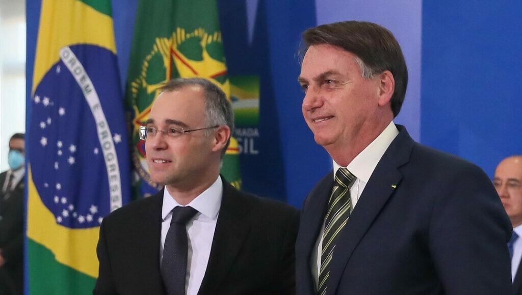 ANDRE MENDONCA E STF - Presidente Jair Bolsonaro confirma indicação de André Mendonça para vaga no STF
