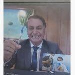BOLSONARO CANETA BIC e1627351141668 150x150 - 'PERGUNTEM TUDO O QUE QUISEREM': Jair Bolsonaro por trás das câmeras e os bastidores da entrevista ao Sistema Arapuan - por Felipe Nunes