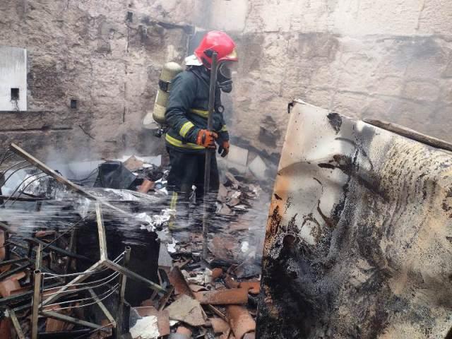 Bombeiros 4 - Incêndio destrói Casa Paroquial e imagens sacras ficam intactas na Paraíba - VEJA VÍDEO