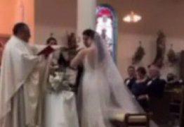 Noivo promete ser infiel durante troca de alianças e viraliza na internet – VEJA VIDEO