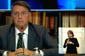 LIVE: Bolsonaro ataca Barroso e diz que voto impresso é questão para militar tratar