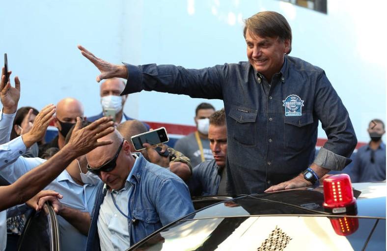 Capturar 116 - Bolsonaro ignora apelo do centrão, volta a ameaçar eleições e diz que 'não aceitará farsa'