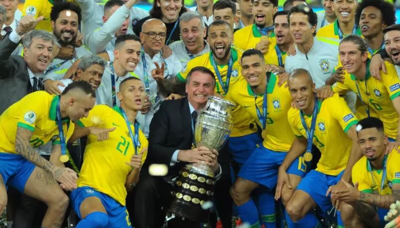 Capturar 19 - Seleção se divide sobre encontro com Bolsonaro após título