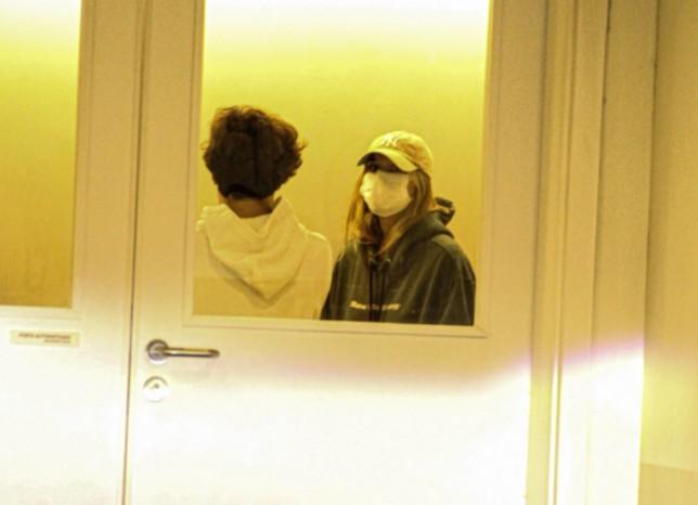 Capturar 29 - Sasha visita o pai, Luciano Szafir, no hospital