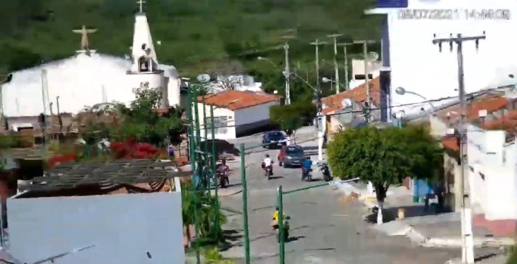Capturar 65 - Prefeitura de Monte Horebe concluiu instalação de Câmaras Eletrônicas de alta resolução