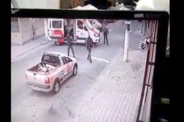 Capturar 96 360x240 - Homem rouba ambulância e bate em viatura da PM durante fuga - VEJA VÍDEO
