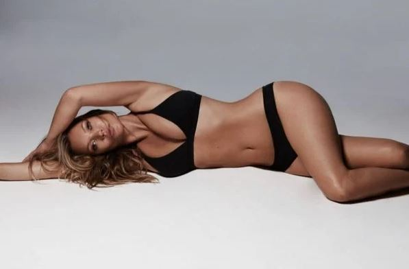 Capturar.JPGgg  - Kate Moss estrela campanha da marca de lingeries de Kim Kardashian