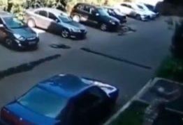 Vídeo mostra idosa salvando bebê que caiu de prédio: 'Tive medo que morresse'