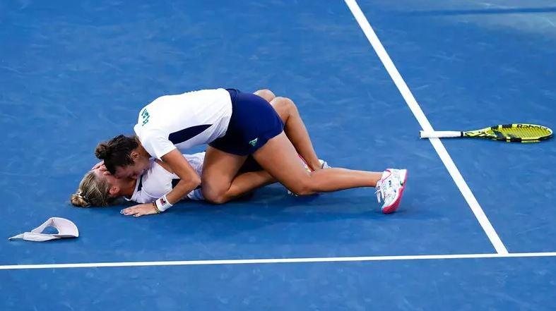 Capturar.JPGkkkm - Pigossi e Stefani conquistam bronze inédito no tênis com virada histórica
