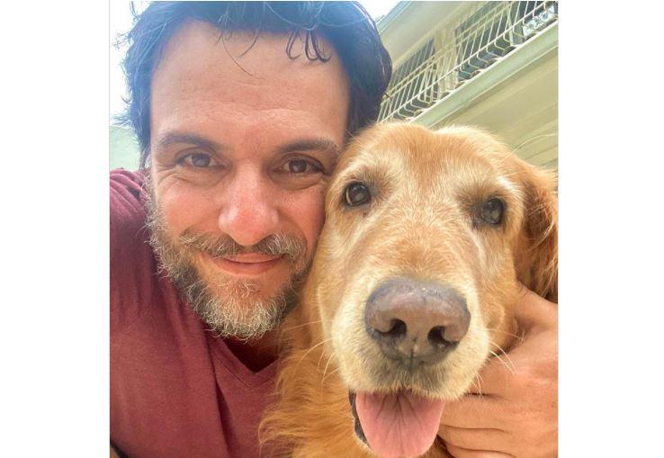 Capturar.JPGnmm - 'Muito amor, muito grude', escreve Rodrigo Lombardi ao compartilhar foto com pet