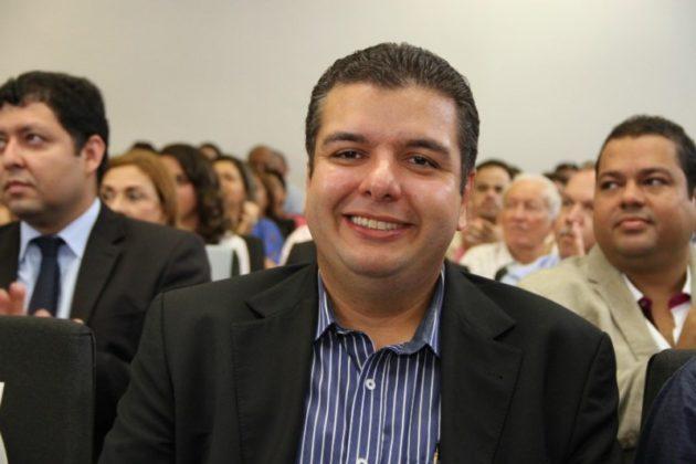 DIEGO TAVARES 2 - Diego Tavares anuncia investimento de mais 100 milhões para o calçamento de ruas da capital