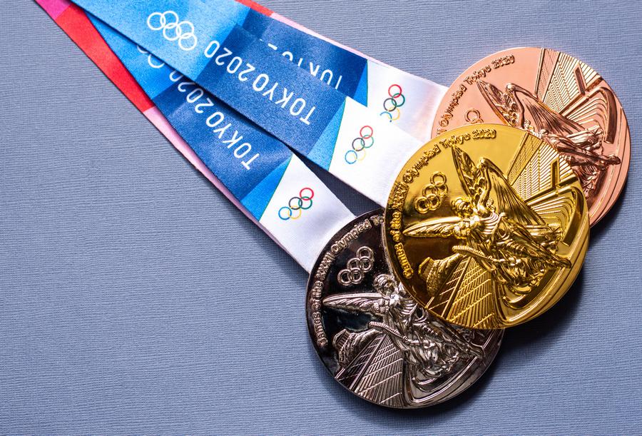 Olimpíadas de Tóquio têm medalhas feitas por designer japonês