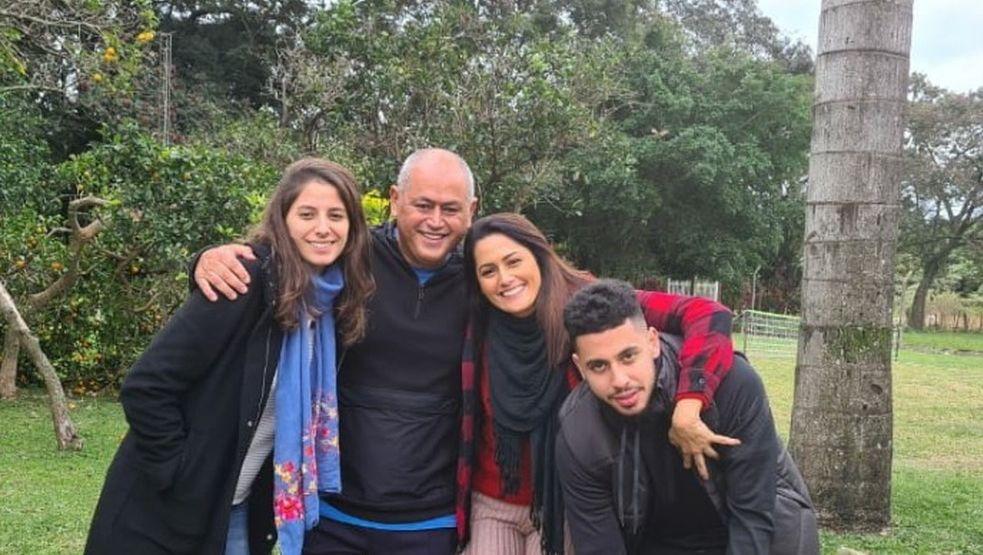 """Familia - Partida do Flu na Libertadores é adiada após morte de filho do técnico do Cerro: """"Momento tão difícil"""""""
