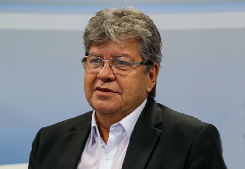 JOAO AZEVEDO - João Azevêdo anuncia distribuição de vacinas para imunizar 270 mil paraibanos com a primeira dose nesta sexta