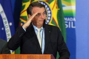 Jair Bolsonaro 300x200 - Se Bolsonaro vetar fundão e se veto não cair, o crime financia as eleições? - Por Reinaldo Azevedo