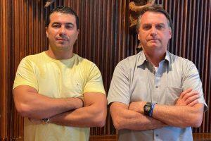 Luis Miranda e Jair Bolsonaro 300x200 - Conversa de Bolsonaro com irmãos Miranda comdenuncia de corrupção foi gravada, diz deputado