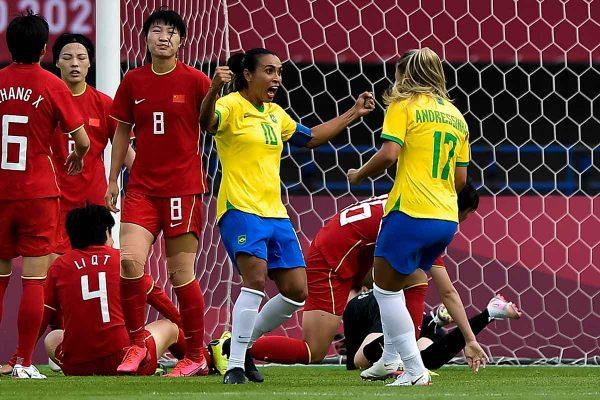 Marta 8 600x400 1 - De olho na Holanda, Seleção feminina volta aos treinos em Tóquio