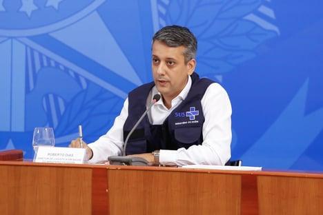 Roberto Dias ex diretor de logistica da Saude - Ex-diretor da Saúde, Roberto Dias, paga fiança de R$ 1,1 mil e deixa Polícia Legislativa, onde estava detido