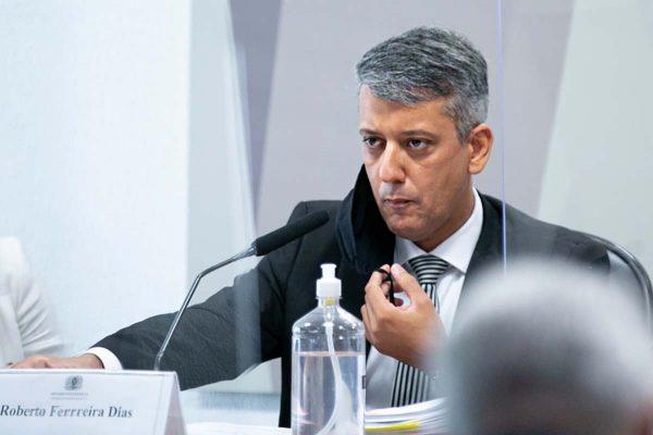 Roberto Ferreira dias cpi 600x400 1 - URGENTE: presidente da CPI, senador Omar Aziz determina prisão de Roberto Dias, ex-diretor da Saúde