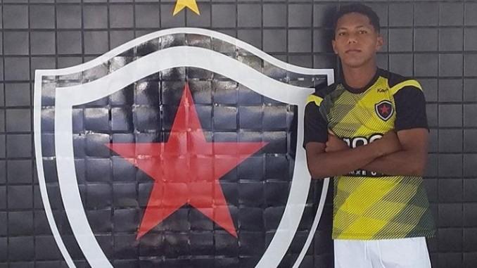 Screenshot 20210714 193453 678x381 1 - Aos 17 anos, Gabriel Costa sonha em voar mais alto com a camisa do Botafogo-PB