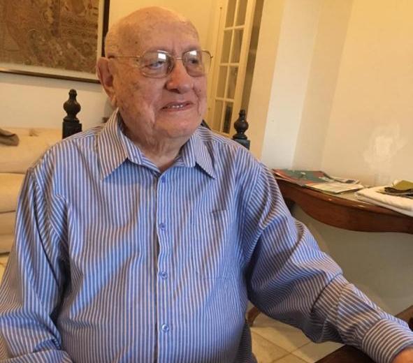 Teotonio Neto Arquivo de familia - Morre aos 102 anos o empresário Teotônio Neto, fundador do Jornal Correio da Paraíba