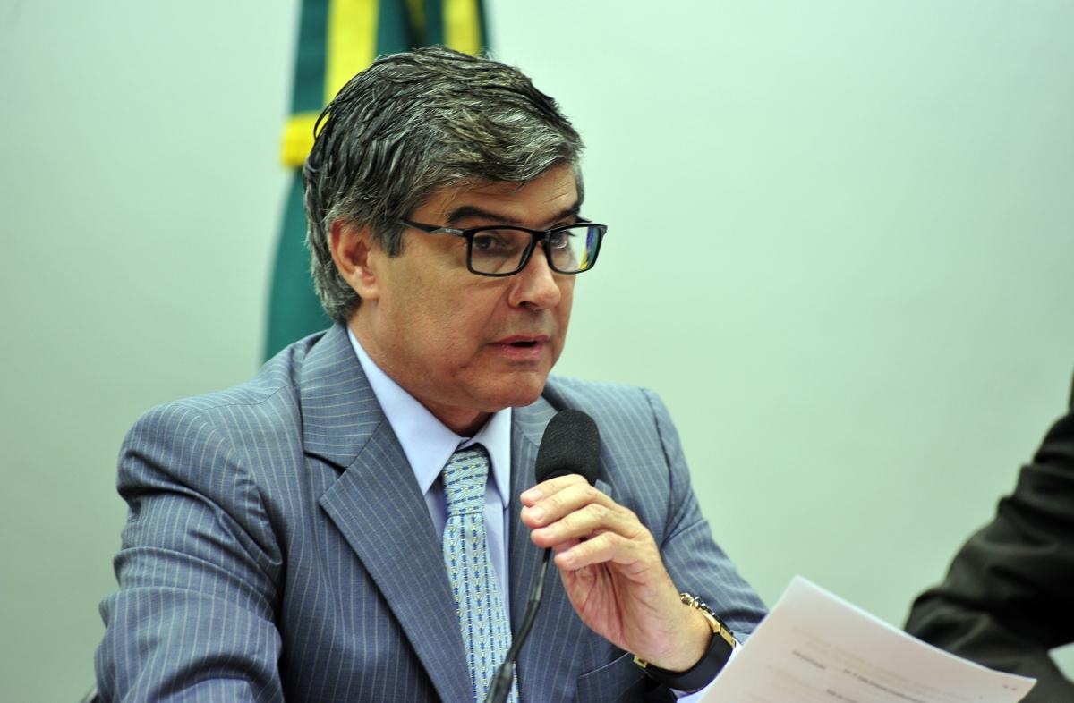Wellington Roberto - Wellington, que já foi senador, indica filho para o cargo no pleito 2022 - por Nonato Guedes