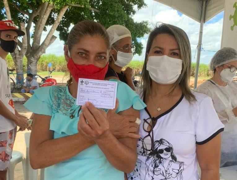 WhatsApp Image 2021 07 09 at 18.03.11 e1626273856980 - Dra. Jane vai a comunidades rurais fazer chamamento de grupos para ampliar número de vacinados