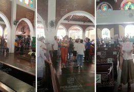 Homem é expulso de igreja após se exaltar e gritar contra padres – VEJA VÍDEO