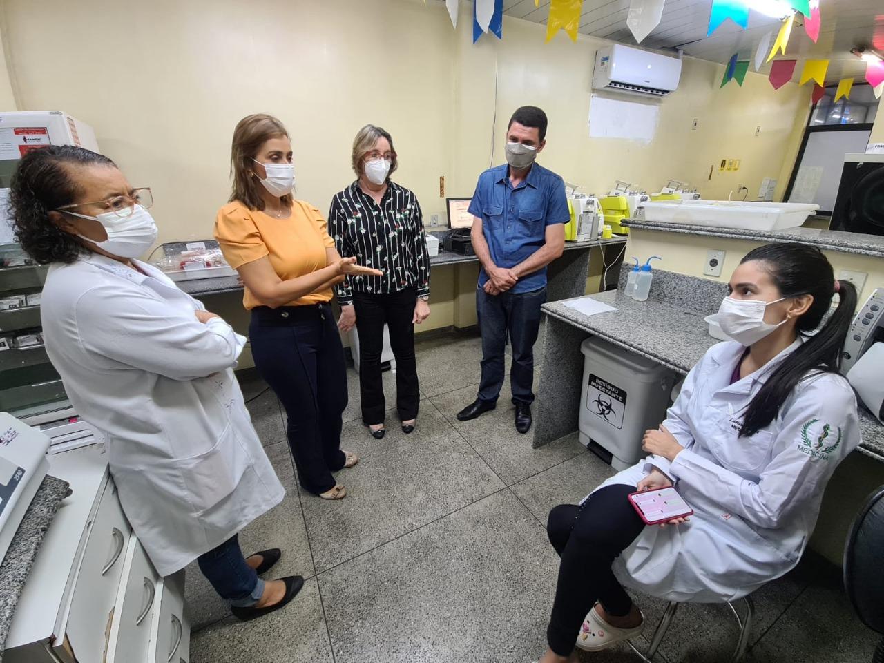 WhatsApp Image 2021 07 13 at 12.57.39 - Secretária Ana Cláudia visita Hemocentro de Campina Grande e conclama população a doar mais sangue