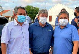 Ao lado de João Azevêdo e Adriano Galdino, Efraim Filho recebe apoio de prefeitos do Cariri para o Senado