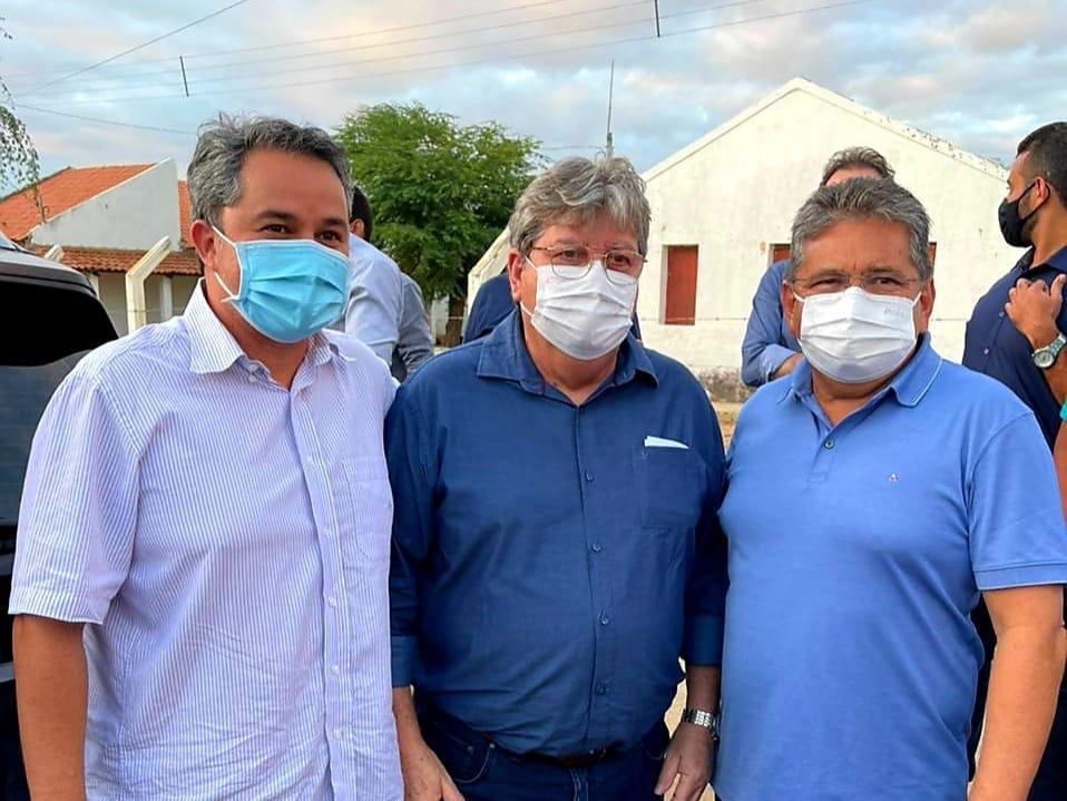 WhatsApp Image 2021 07 26 at 08.50.18 - Ao lado de João Azevêdo e Adriano Galdino, Efraim Filho recebe apoio de prefeitos do Cariri para o Senado