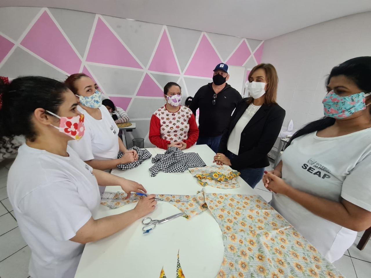 WhatsApp Image 2021 07 27 at 18.47.34 2 - Secretária Ana Cláudia visita projeto no Presídio Feminino de Campina Grande denominado 'Castelo de Bonecas'