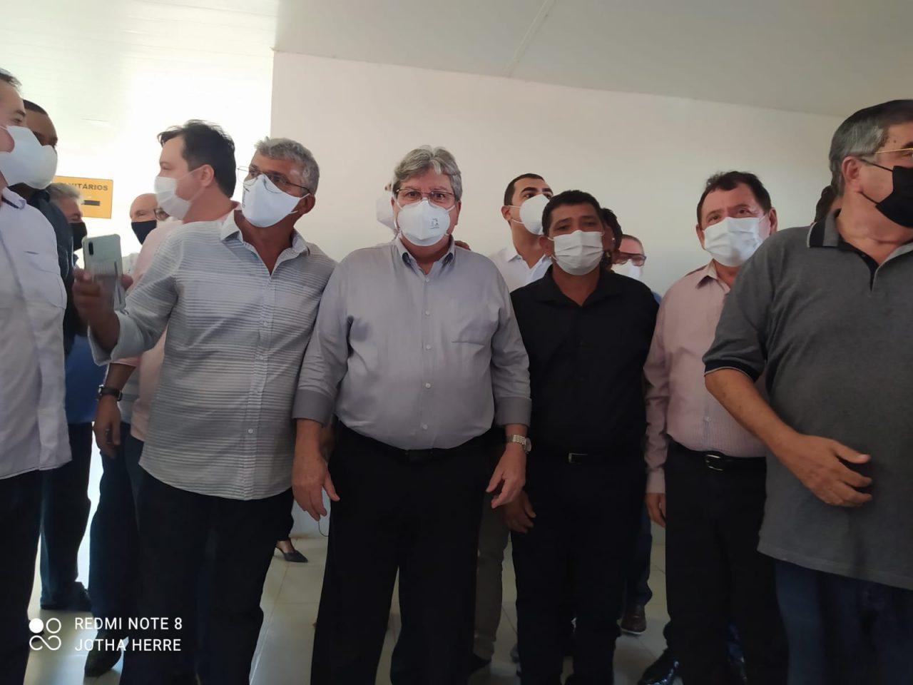 WhatsApp Image 2021 07 28 at 12.57.47 scaled - Prefeito interino de Cajazeiras Marcos do Riacho acompanha comitiva do governador no município
