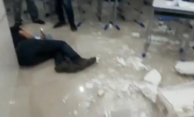 WhatsApp Image 2021 07 29 at 16.08.28 1 - TRAGÉDIA! Teto de sala em prédio empresarial, desaba e deixa feridos em João Pessoa - VEJA VÍDEO