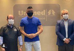 Unimed JP recebe visita de ex-zagueiro da Seleção Brasileira para debater parceria