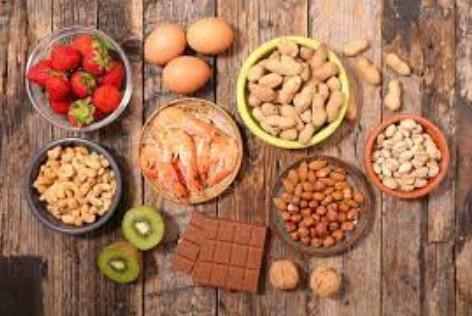 ali - Leite, trigo, ovo, soja, amendoim, castanhas e frutos do mar são os principais responsáveis por alergias alimentares