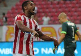 Campinense anuncia chegada de atacante para referência ofensiva da equipe