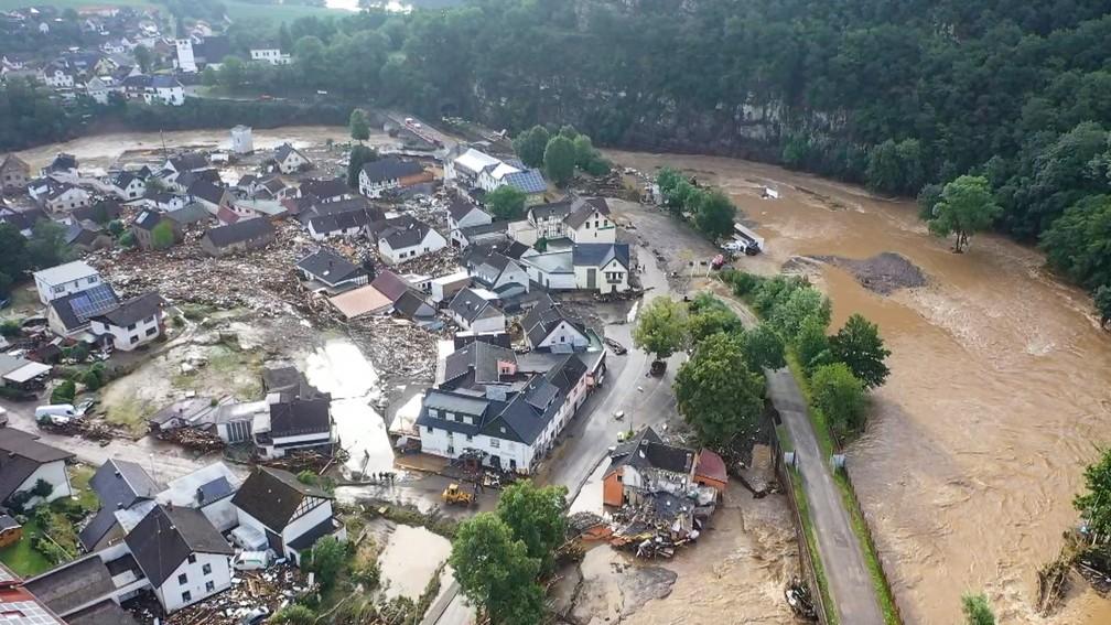 ap21196292074152 - TRAGÉDIA NA EUROPA: Sobe para 126 o número de mortos após fortes chuvas; Alemanha é o país mais afetado em 59 anos