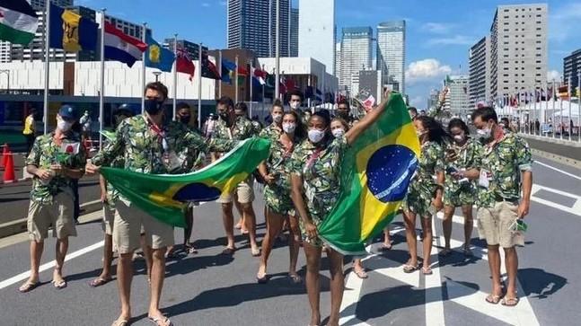 atlet - De fora da abertura, atletas do Brasil fazem desfile na Vila Olímpica