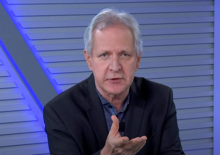 """augusto nunes - Jornalista Augusto Nunes pede afastamento de funções do Grupo Record: """"Tenho de me afastar"""""""
