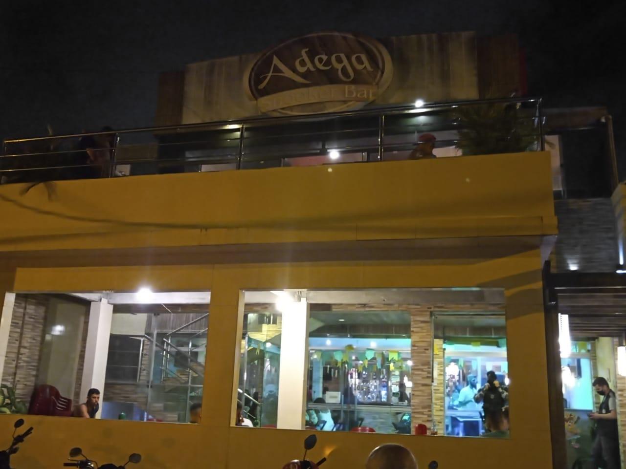 bar  - OPERAÇÃO PREVINA-SE: Bar é autuado e interditado por 5 dias por descumprimento de decretos contra a Covid-19
