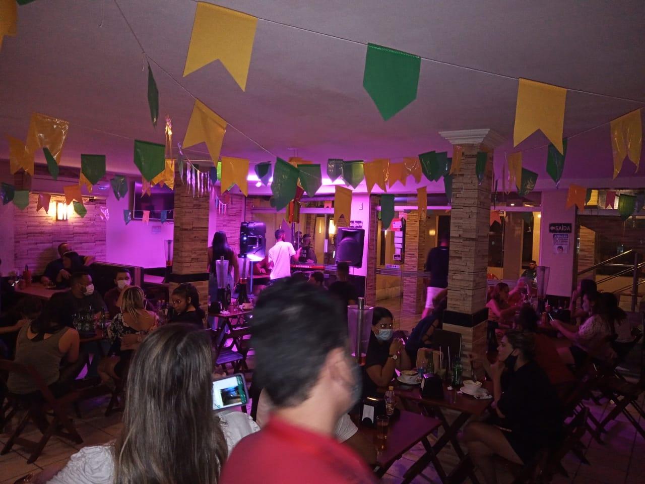 bar 3 - OPERAÇÃO PREVINA-SE: Bar é autuado e interditado por 5 dias por descumprimento de decretos contra a Covid-19